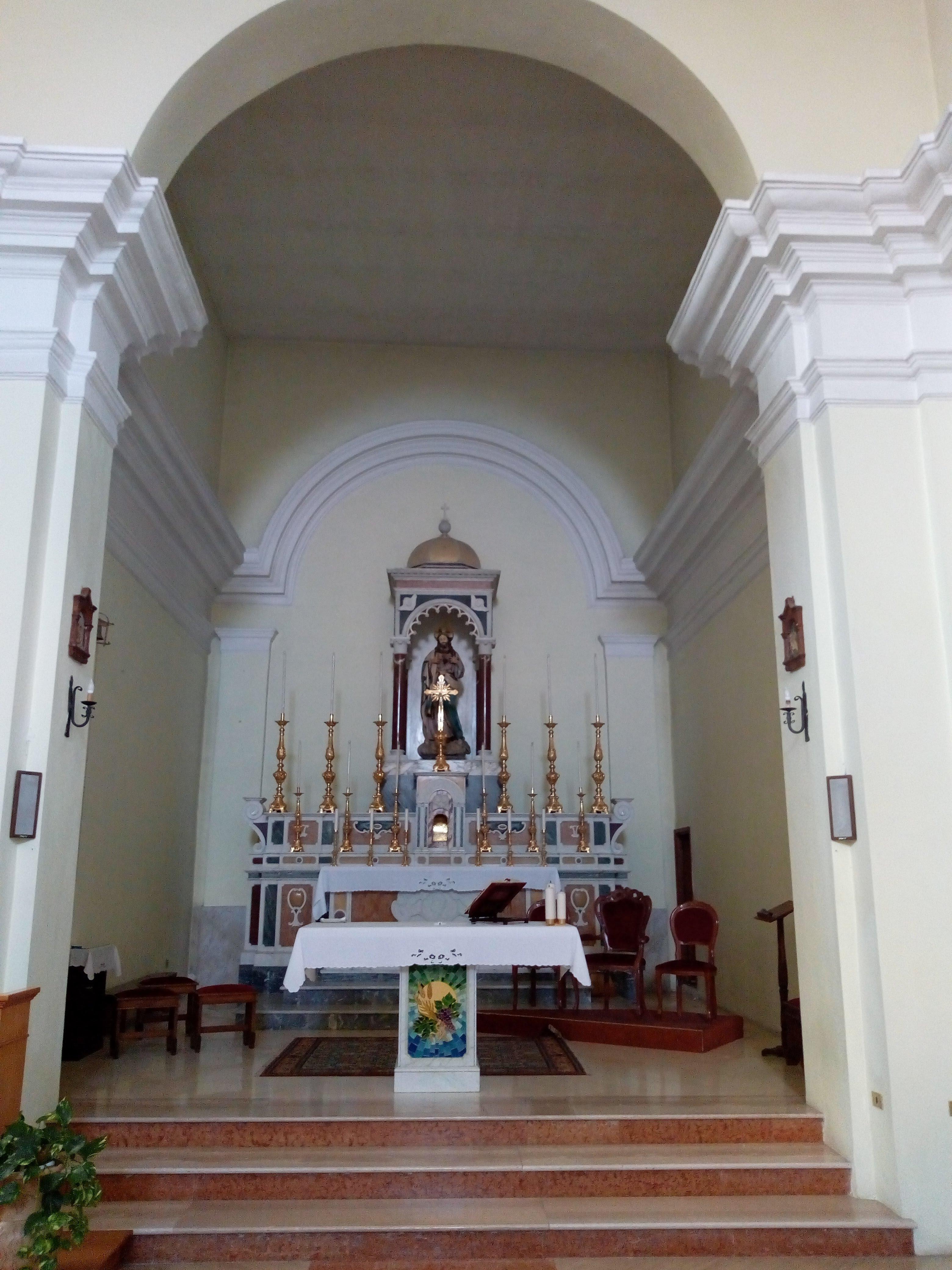 altare-maggiore-con sacrocuore-XVIIIsec